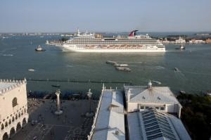 Mit der Carnival Breeze auf Kreuzfahrt in Venedig