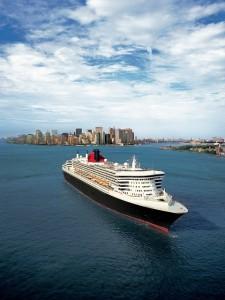 günstige Transatlantik Kreuzfahrt mit der QM2